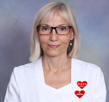 poznati novosadski kardiolog dr Brana Kovačević na fotografiji sa sivom pozadinom